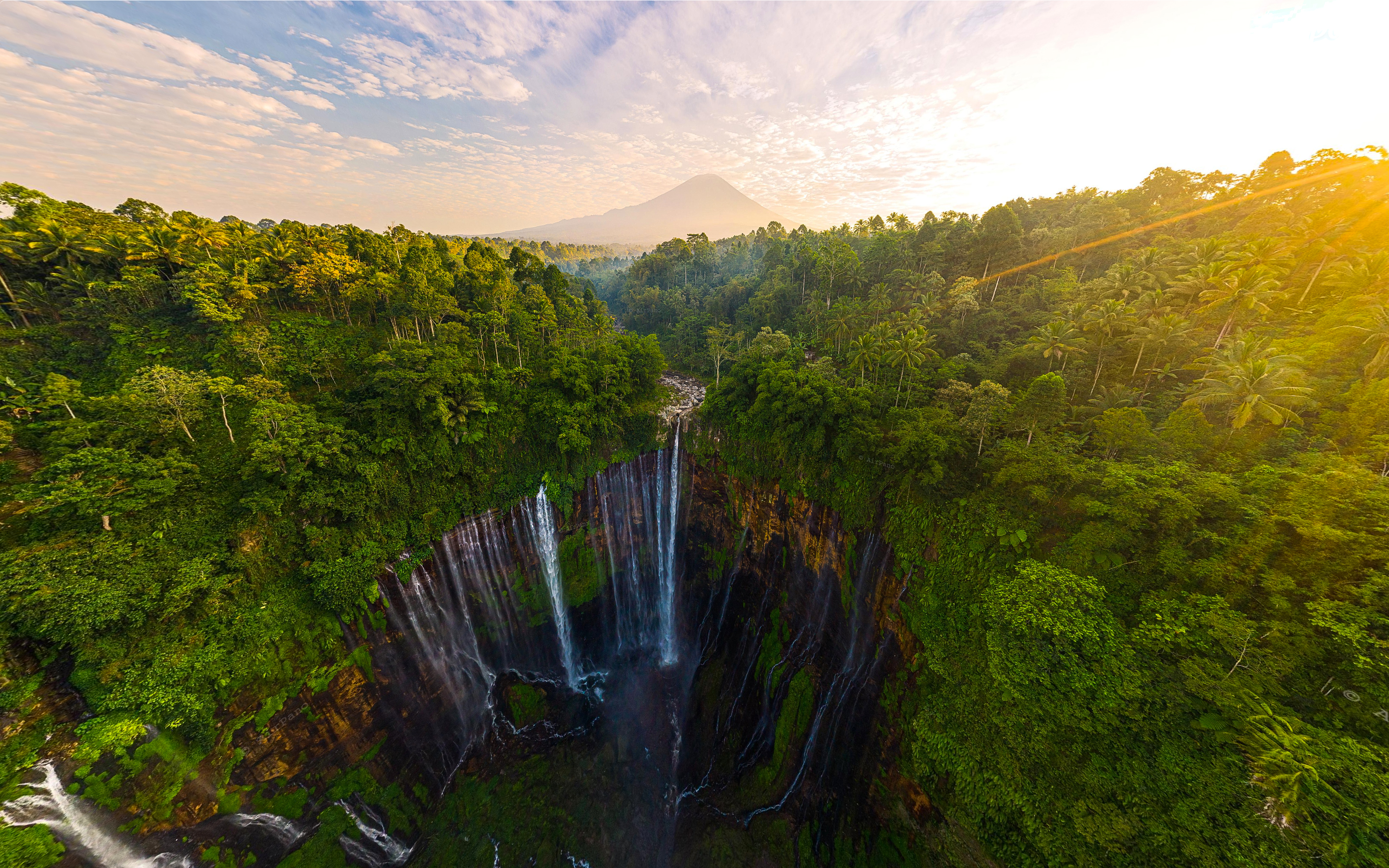 Tumpak Sewu Waterfall – Indonesia captured from AirPano.com